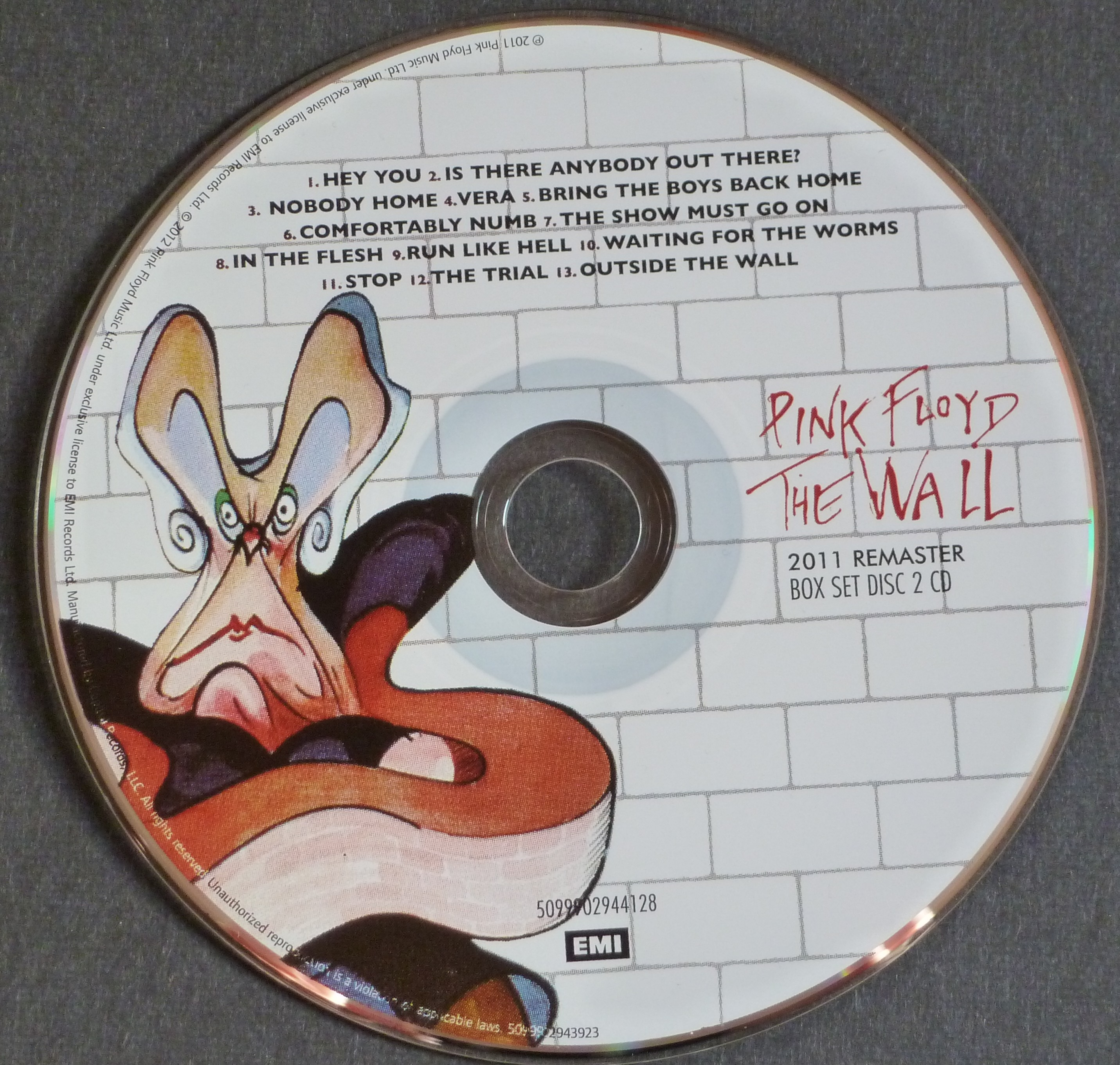 An in-depth look at Pink Floyd's 'the Wall' Immersion box ...